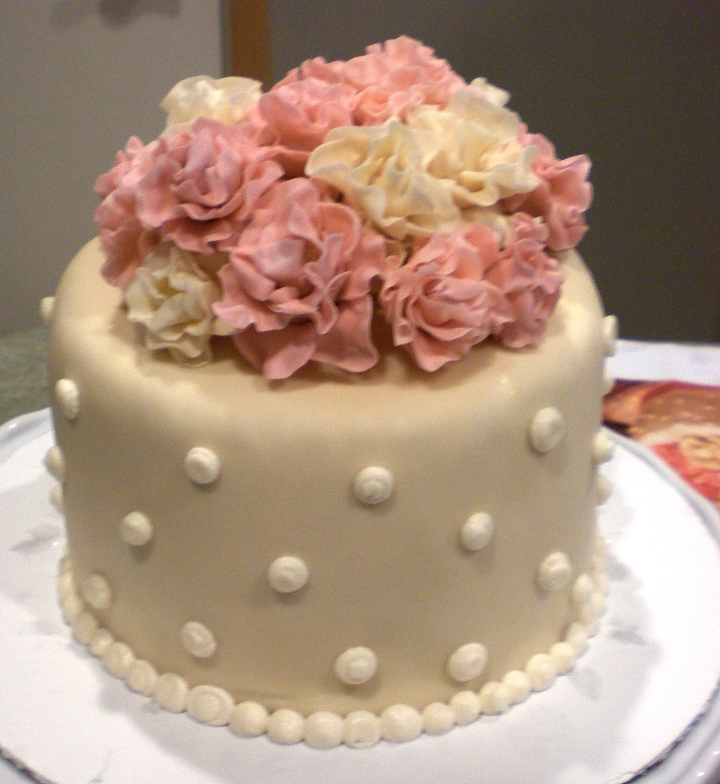 Order cakes for firstanniversary celebration from Ferns N Petals Get deliver first wedding anniversary cake online to surprise your partner